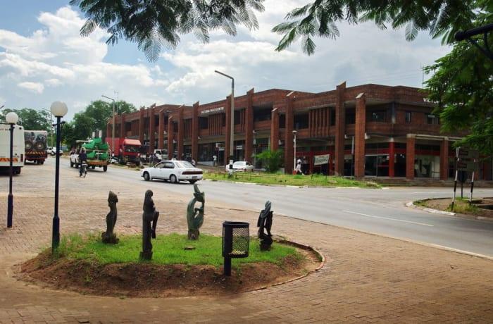 Kasane Town (Botswana) to Victoria Town (Zimbabwe)