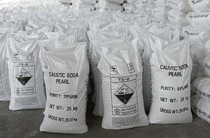 Caustic Soda Pearls (NaOH)  image
