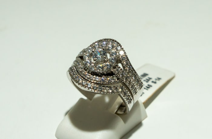 Silver and swarovski crystal wedding set ring  image