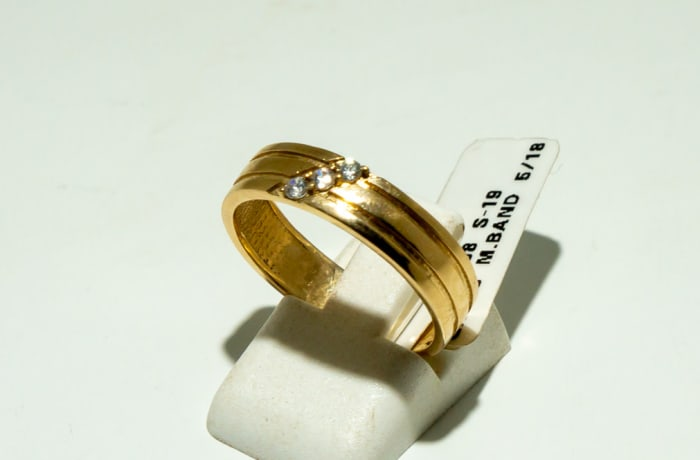 Men's wedding band yellow gold 9k ring with two grooves and three crystal image