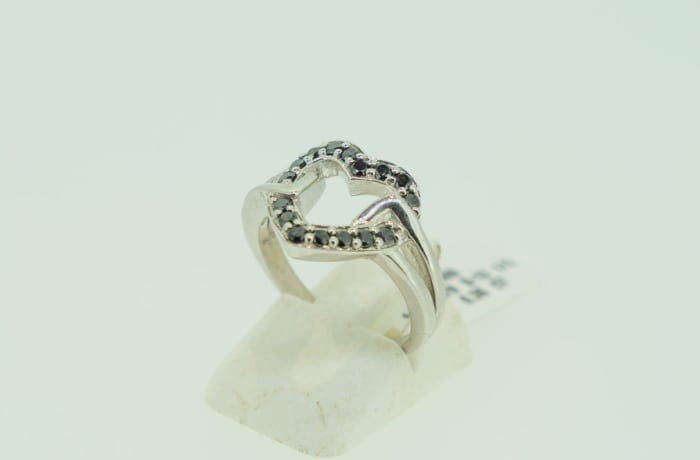Silver heart shaped black diamond ring image