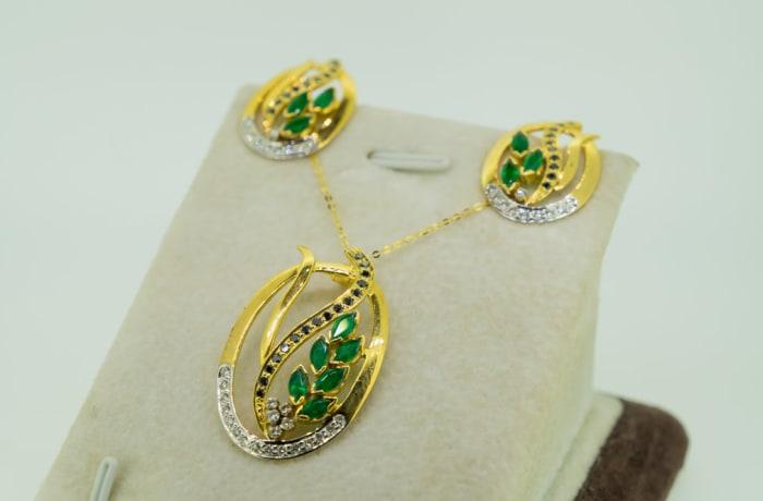 Yellow gold 14k emerald, black diamond and white diamond pendant and earring set image