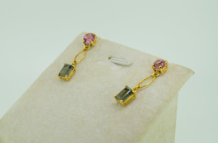 Yellow gold, emerald and pink tourmaline earrings image