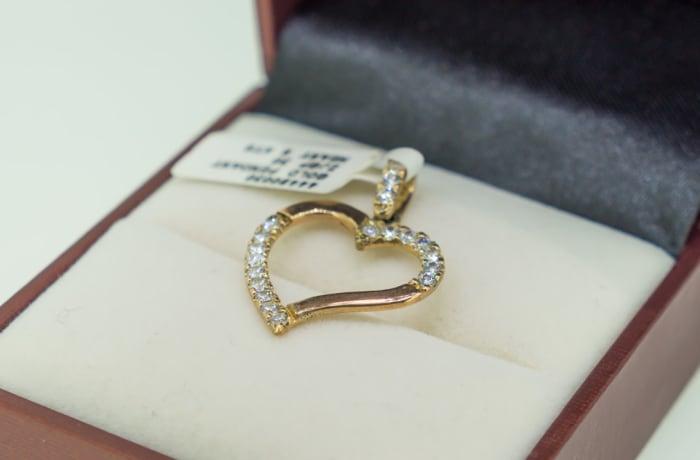 Yellow gold 9k and swarovski crystals heart pendant image