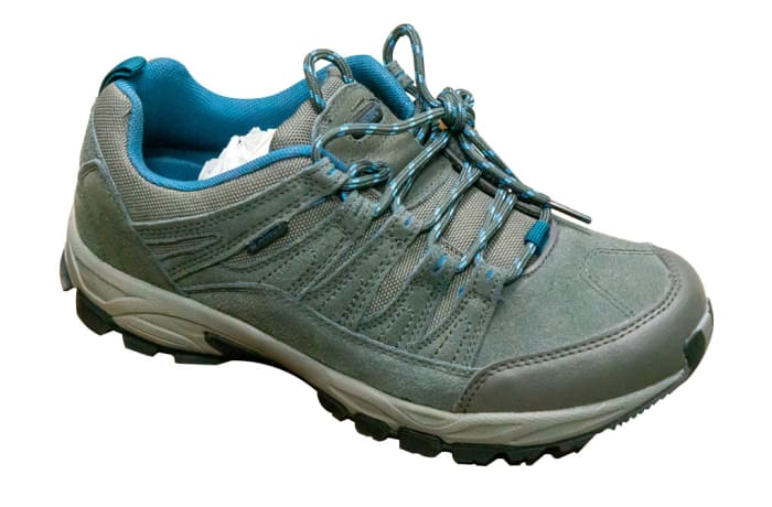 Hi-Tec Low design outdoor shoe image
