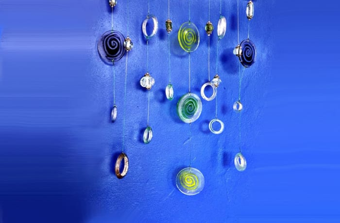 Decorative circles glass wall hanging image