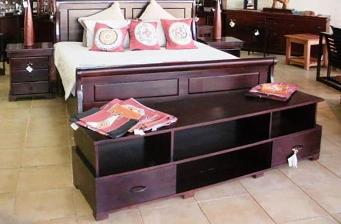 King  Sized solid teak classic Sleigh bed image