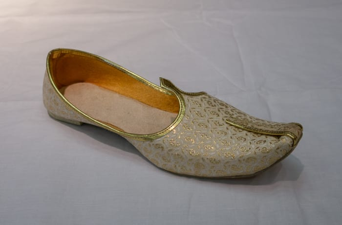 Mojari Shoes Women's light gold image