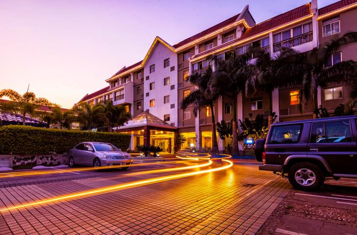 Hotel - 0