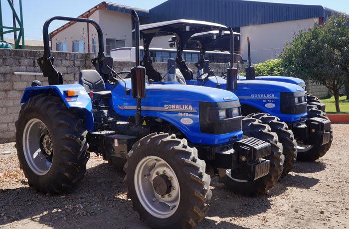 Tractors - 0
