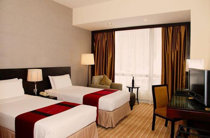 Standard twin room image