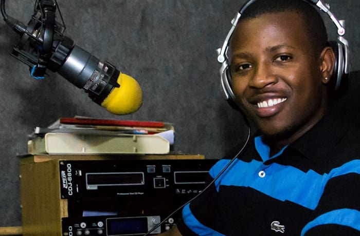 Radio station - 0
