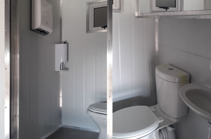 Portable toilets and hand wash stations - 3