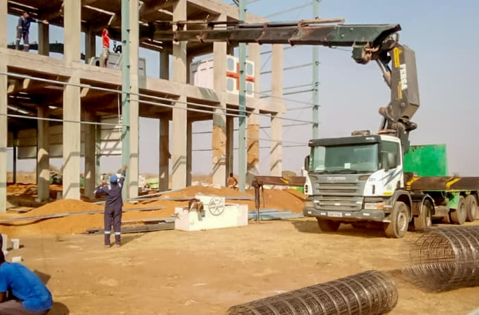 Self-Loading Truck Cranes For Hire - 2