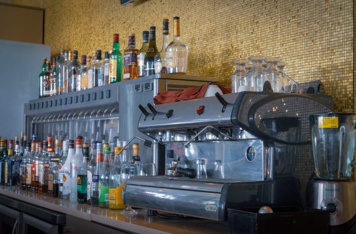 Wine bar - 3