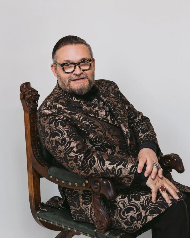 Александр Васильев назвал перчатки для огорода самым модным аксессуаром этой весны
