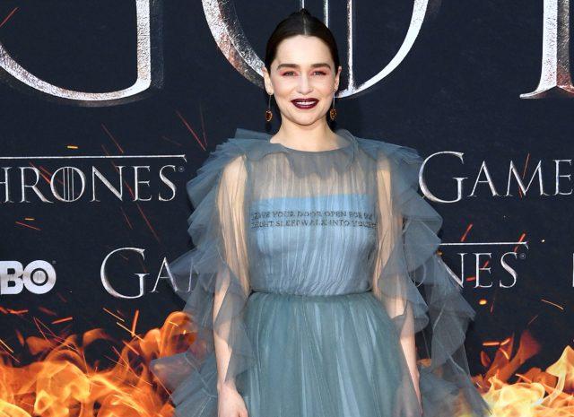 Чем Эмилия Кларк удивила на премьере «Игры престолов»?