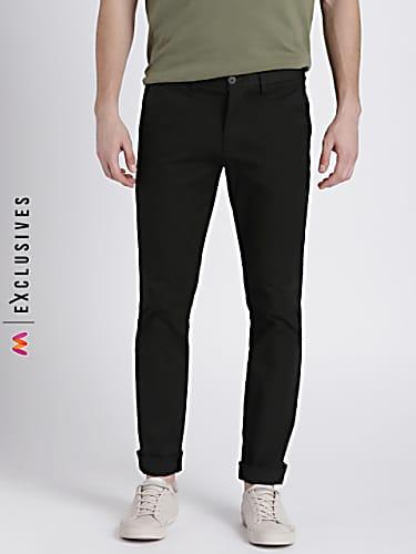 gap men's black color khakis in skinny fit with gapflex