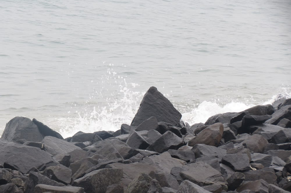 Things to see in Puducherry - The Promenade beach
