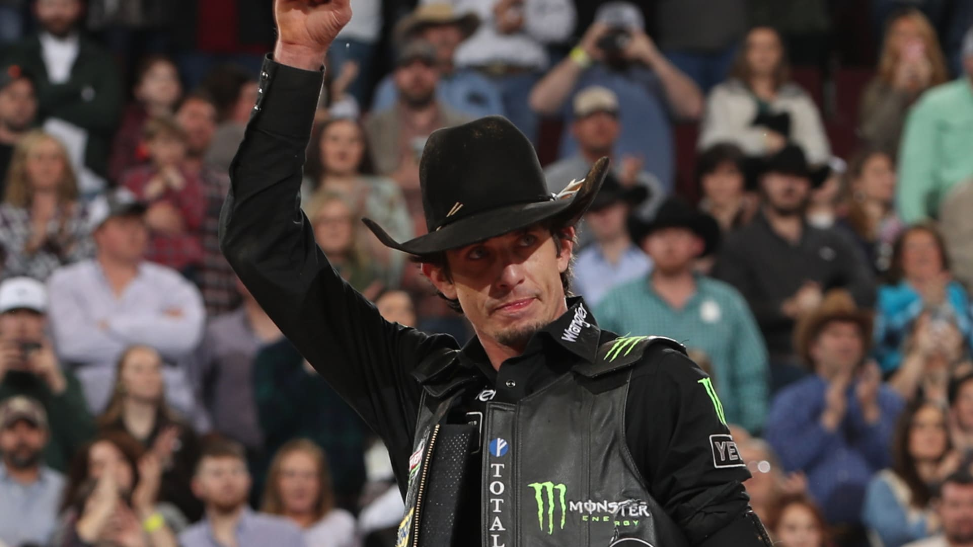 f36465800dd Two-time World Champion Mauney wins in unbelievable fashion in Little Rock