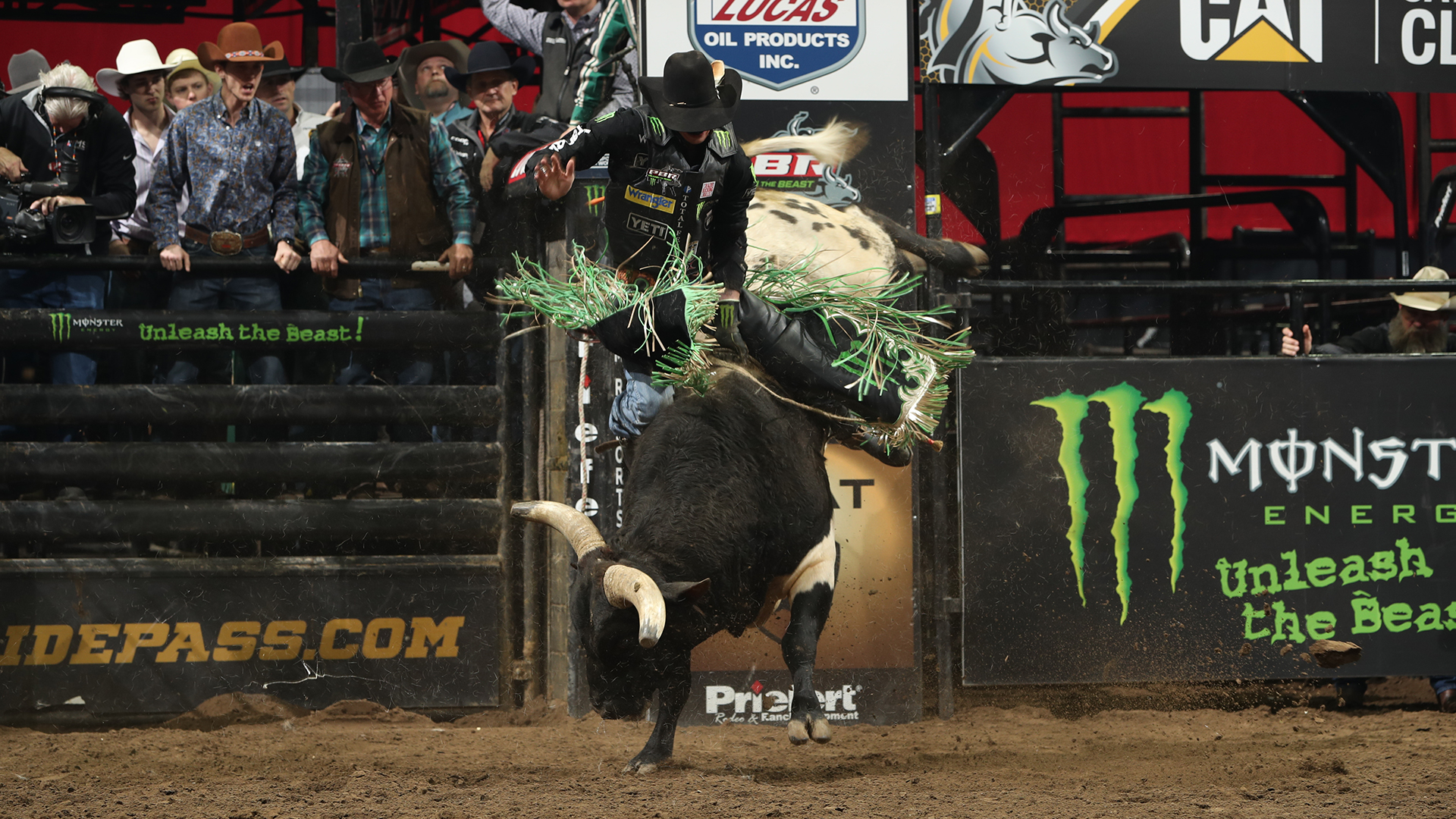 8cd91dd155845 Tacoma draw  Mauney out with fractured rib  eight alternates called up