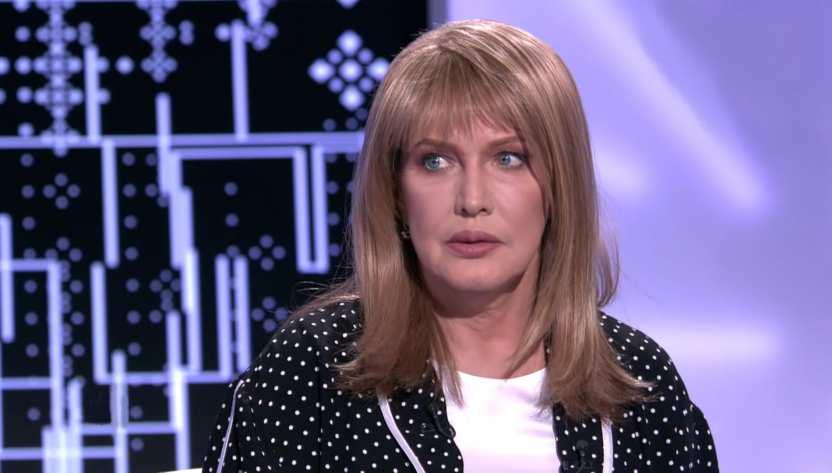 Елена Проклова оценила предложение властей платить пенсионерам за вакцинацию