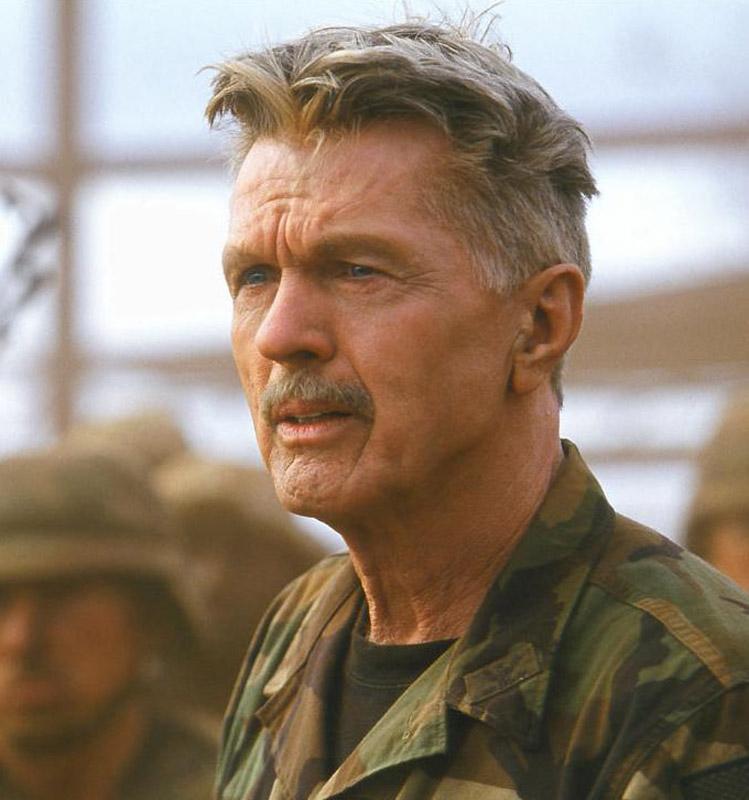 netflix movies starring tom skerritt Journey Back To Christmas Cast movie still 1 actor still 1