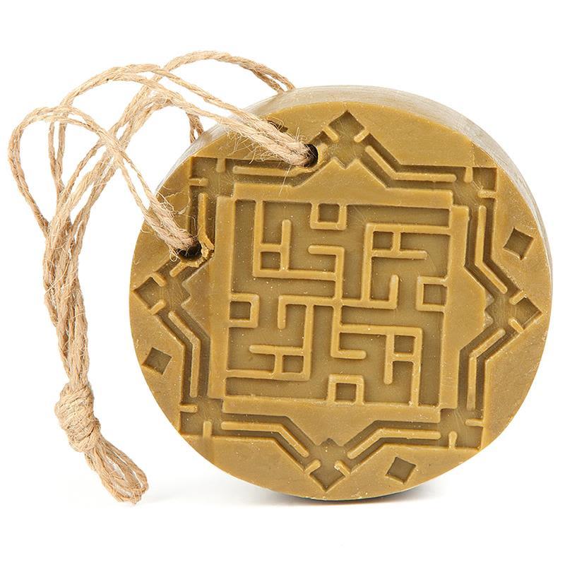 najel - aleppo-amber-en-oud-aroma-kruidenzeep-aan-koord