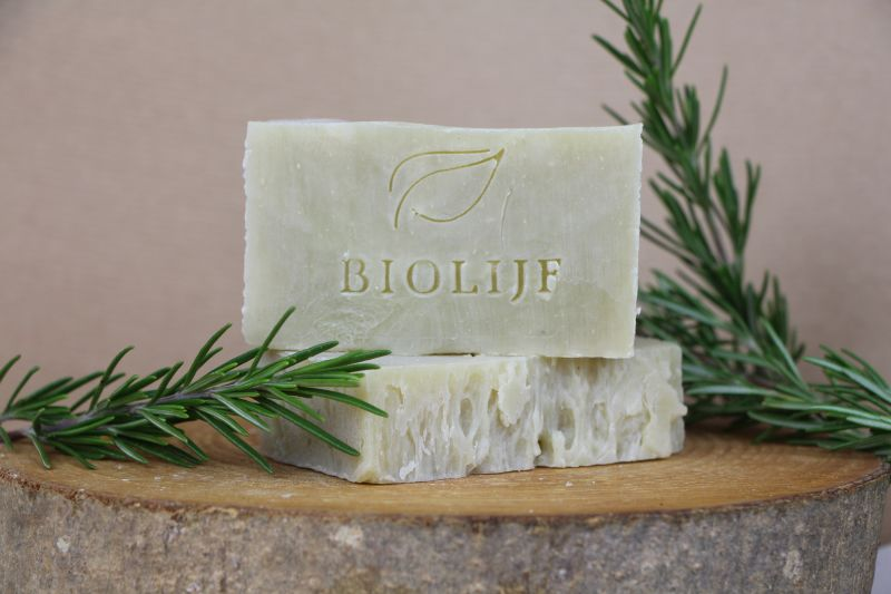 biolijf - rosemary-ceder-body-shampoo-bar