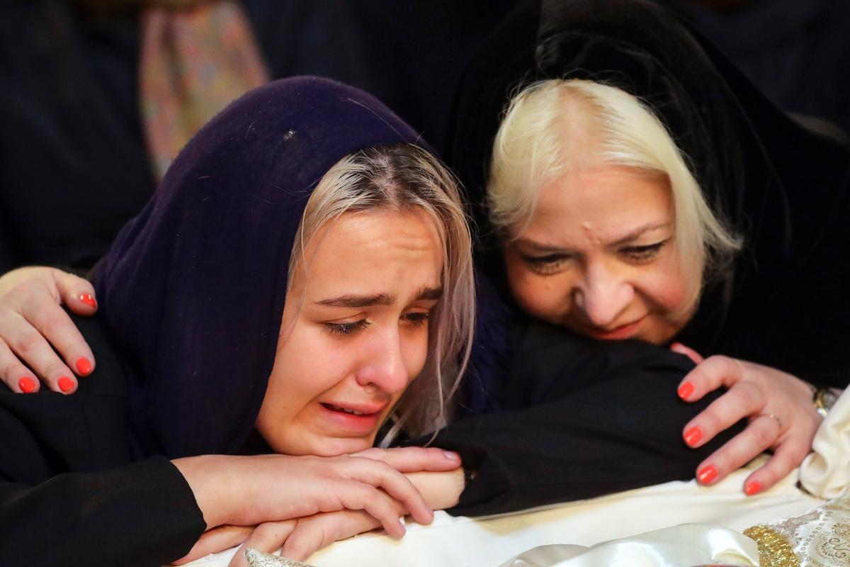 Фото: поклонники и друзья простились с Вилли Токаревым в московском храме