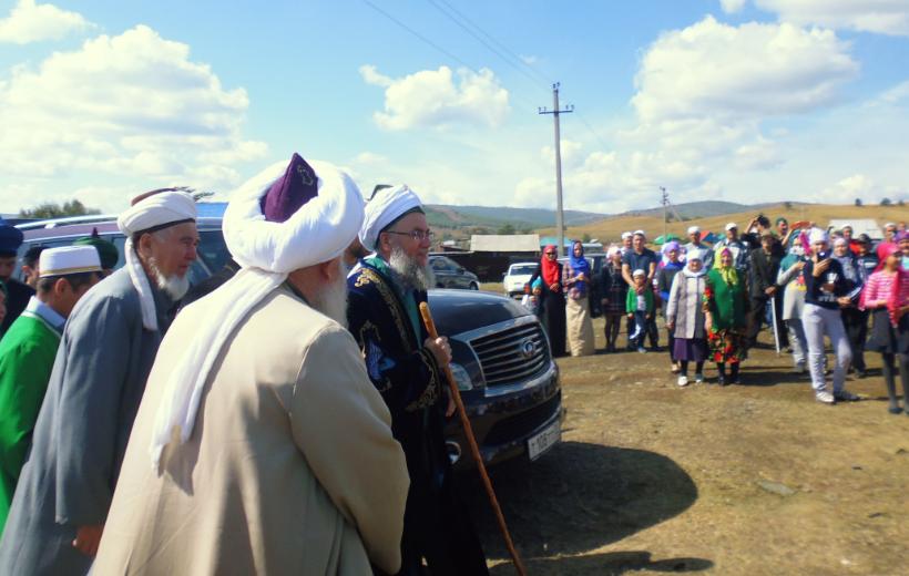 Мехмет хазрат приехал на торжество открытия мечети