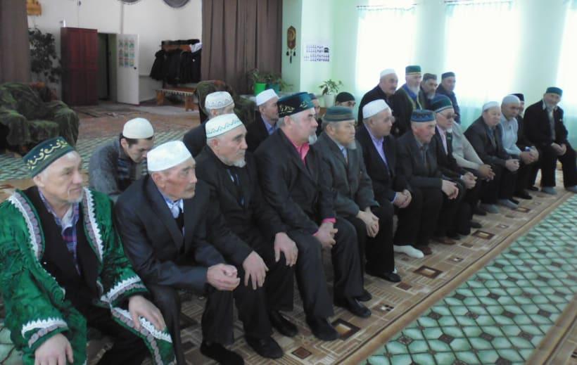имамы района присутствуют на собрании