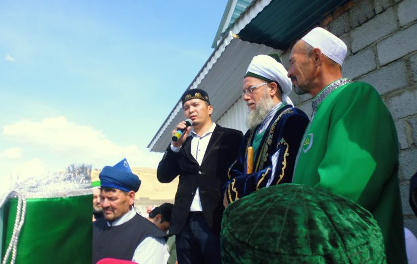 Мехмет хазрат присутствует при открытии мечети Тал КУСКАРОВО