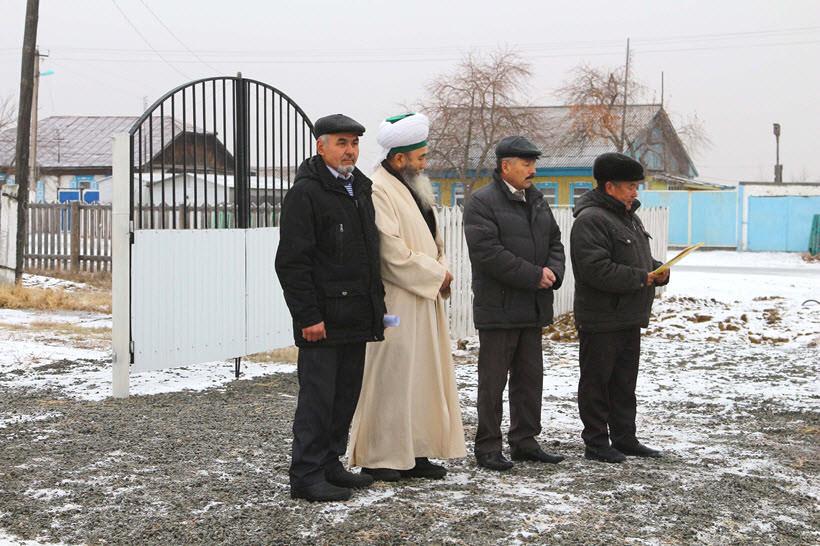 торжественные минуты перед открытием мечети