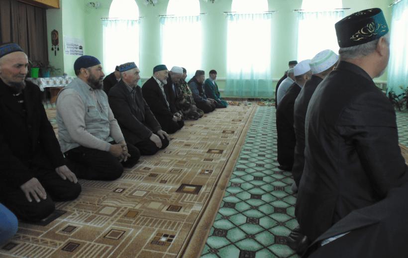 полуденный намаз в Аскаровской мечети
