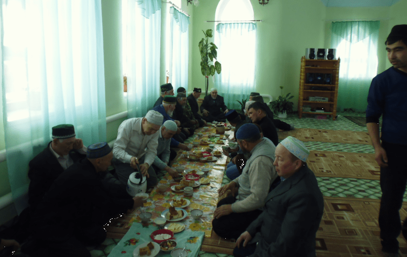 трапеза в мечети