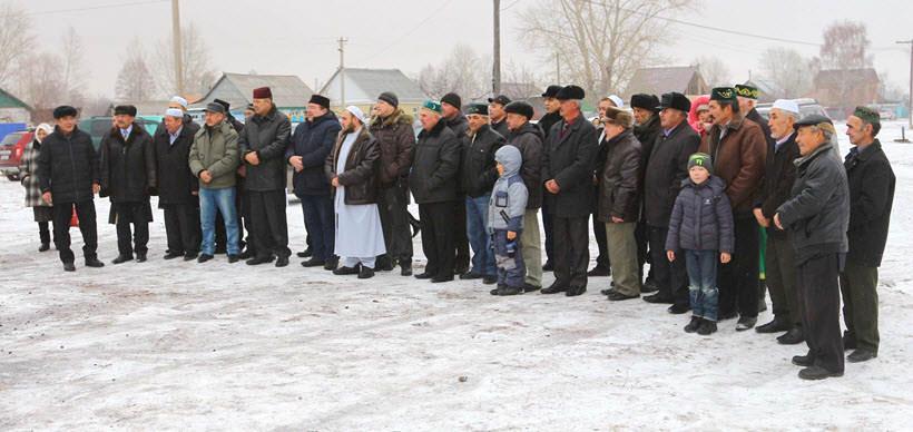 жители и гости деревни Абзелилово