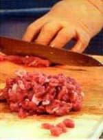 рубим мясо