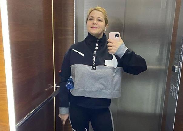 «Так хочется домой»: Ирина Пегова пожаловалась, что не может вернуться к дочери во время карантина