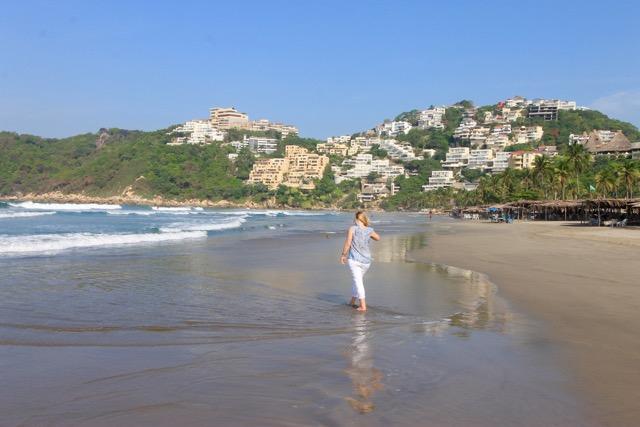 Revolcadero Beach, Acapulco