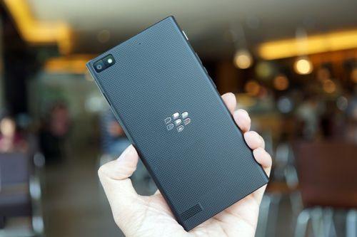 http://img.v3.news.zdn.vn/w660/Uploaded/Aohuouk/2014_06_13/BlackBerry_Z3.JPG