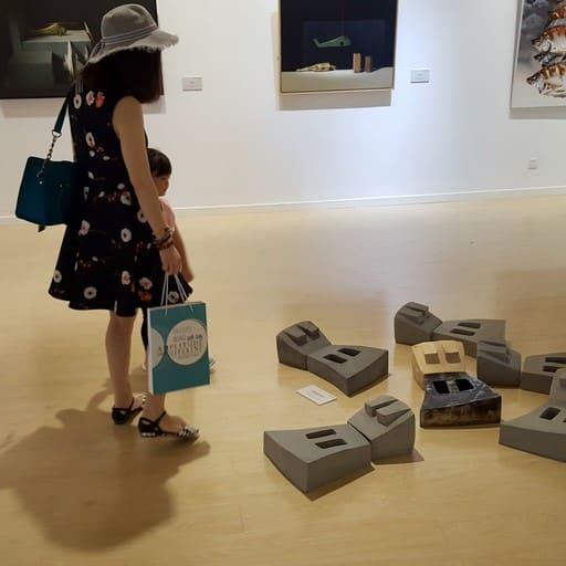 "Blick in die Ausstellung ""AMPLITUDE DER DIFFERENZ"", Yuan Xiaocen Kunstmuseum in Kunming/ China, Foto: Kerstin Römhild"