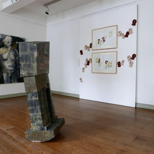 """Blick in die Ausstellung """"CORPORA"""", Schleswig-Holstein-Haus, Kulturforum der Landeshauptstadt Schwerin"""