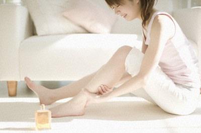 Cosmesi Naturale: Olio Elasticizzante Antismagliature per Pelle Tonica