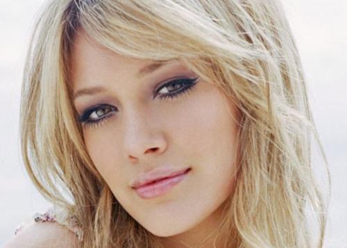 Il Trucco Sexy di Hilary Duff: Ecco Come Copiare il Suo Makeup