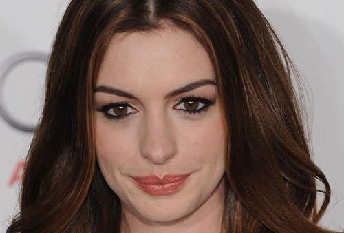 Il Trucco per le Donne Mediterranee: Copia il Makeup di Anne Hathaway