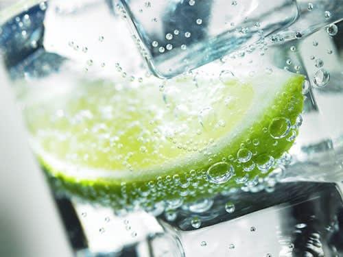 Quanta Acqua Bisogna Bere al Giorno? Scoprilo Subito
