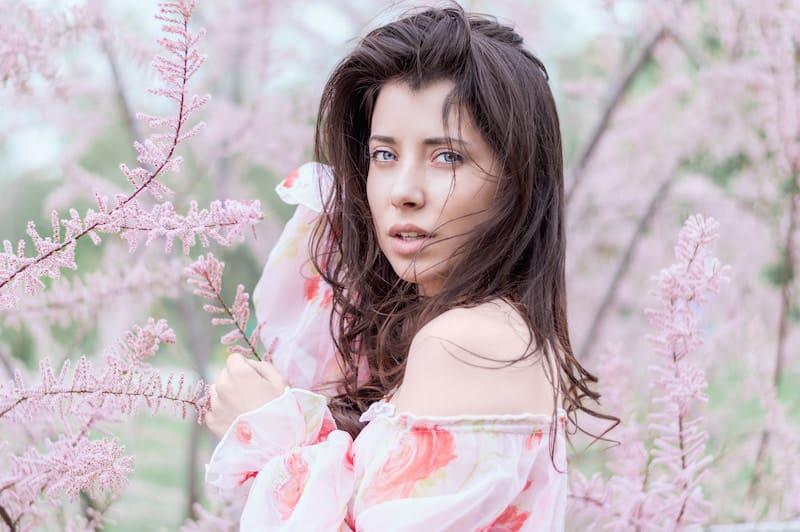 pattern floreale donna