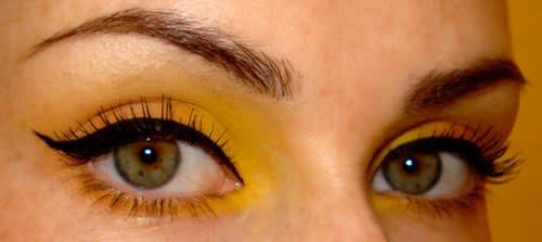 Impara a Mettere l'Eyeliner alla Perfezione con Questo Tutorial