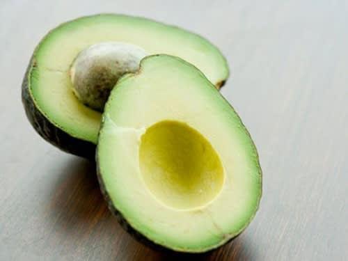 Maschera Viso Nutriente al Limone e Avocado